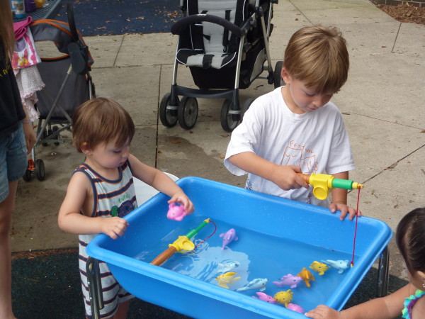 Fishing-Pond-Sensory-Bin-1