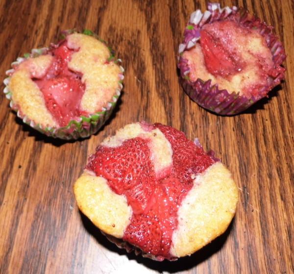 Organic-Strawberry-Muffins-2