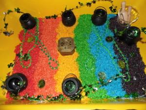 Rainbow-Rice-Sensory-Bin