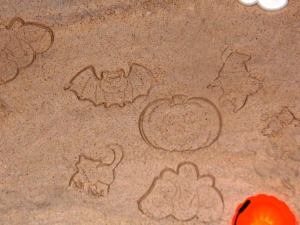 DIY-Moon-Sand