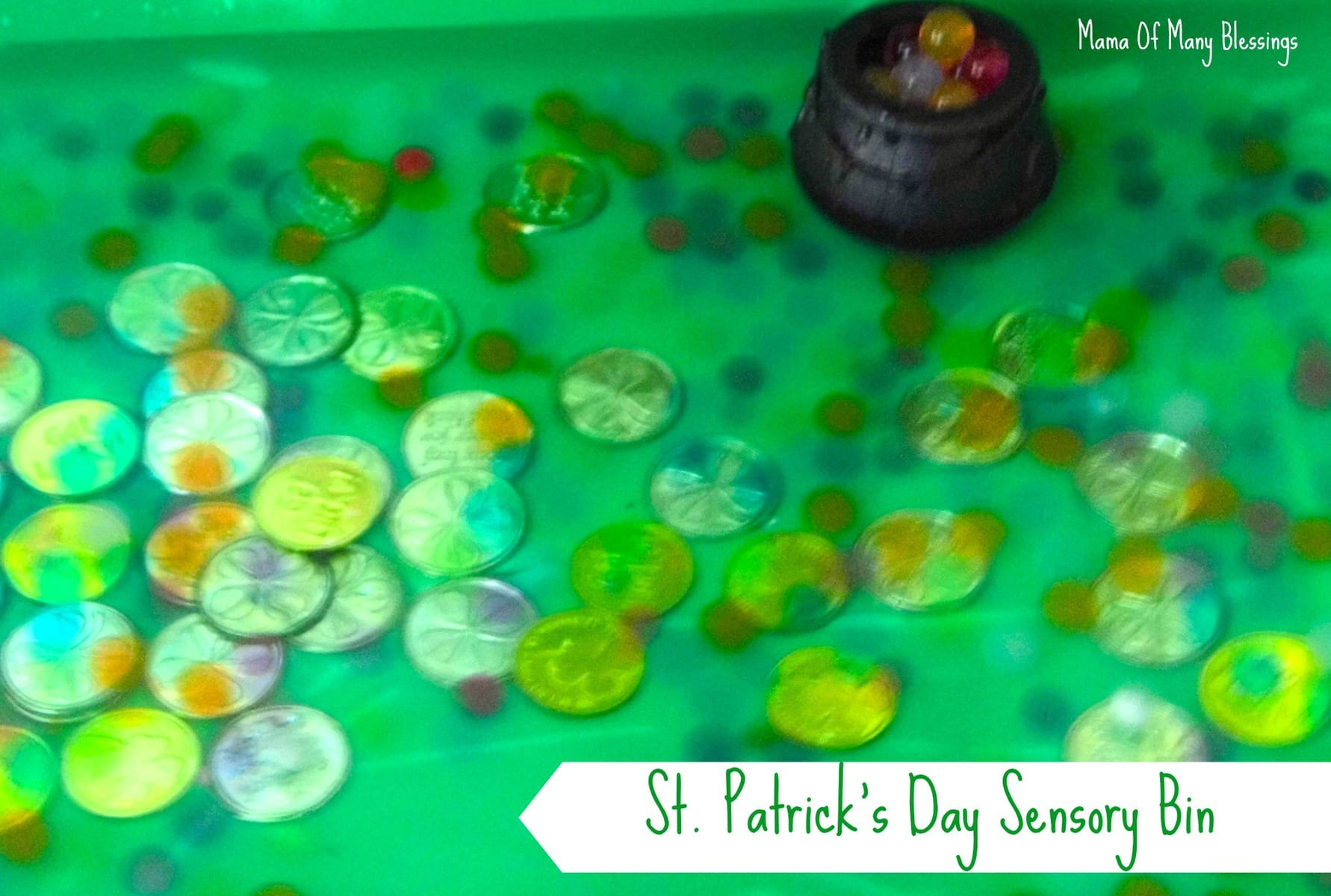 St-Patricks-Day-Sensory-Bin