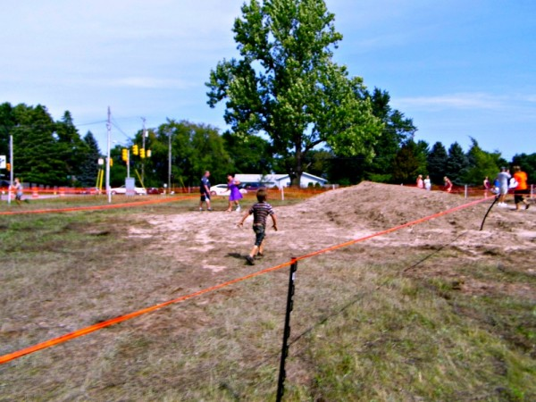 Eat-Dirt-Mud-Run-2014-Mini-Mud-Run