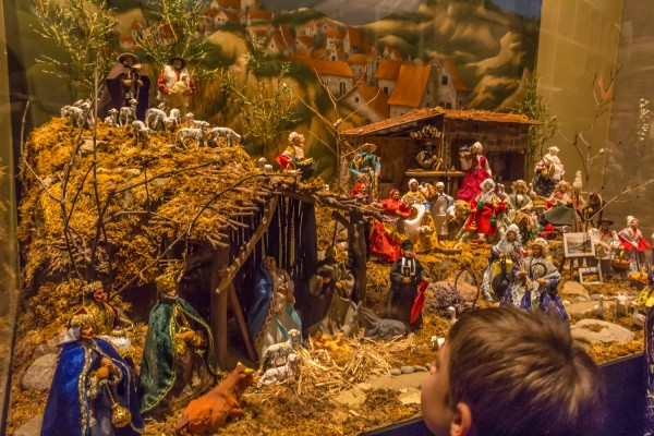 Christmas Around The World - Middle Eastern Nativity Scene