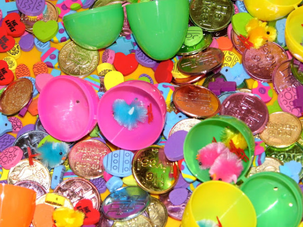 Easter_Themed_Sensory_Bin_3