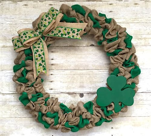 St-Patricks-Day-Burlap-Wreath-500x450