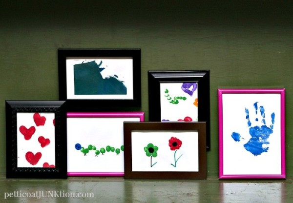 Kids-DIY-Art-Gallery-Wall-Showcases-Finger-Painting-Crafts-Petticoat-Junktion-700x485