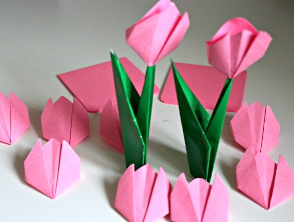 Origimi-tulips-Spring-Kids-Craft