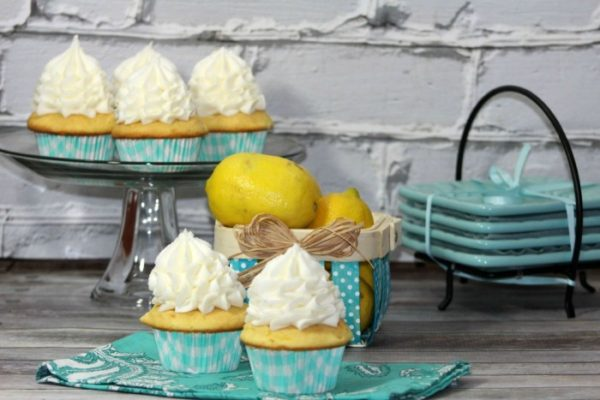 Easy-Lemon-Cupcakes-Recipe--700x467