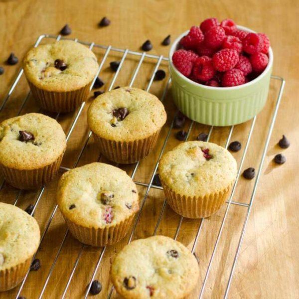 raspberry-chocolate-chip-muffins-gluten-free--Healthy-breakfast-ideas