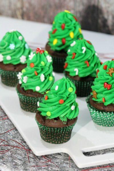 christmas-tree-cupcakes-1-4-600x900