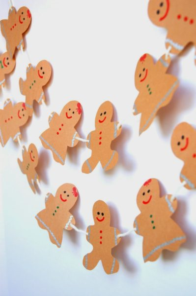 gingerbreadgarland3-Kids-Craft-Ideas-For-Christmas