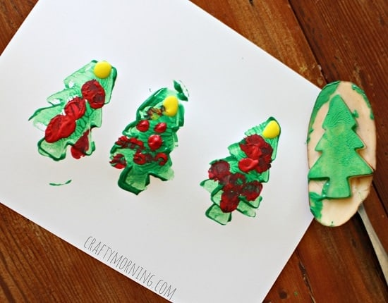 potato-christmas-tree-stamping-craft-for-kids1-Kids-Craft-Ideas-For-Christmas