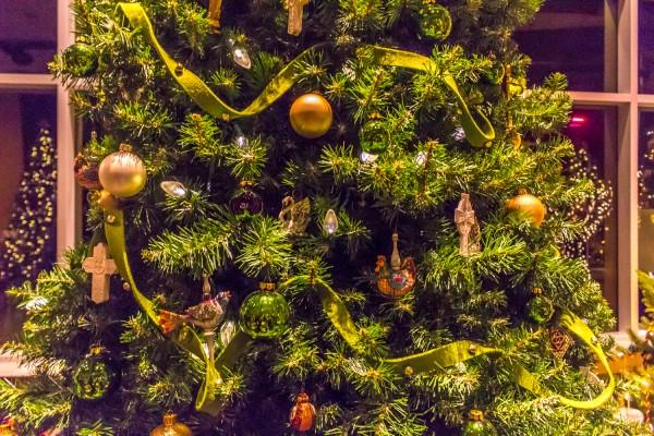 Christmas Around The World - Ireland Christmas Tree