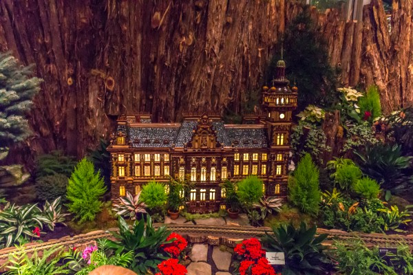 Christms Around The World - Meijer Gardens-70