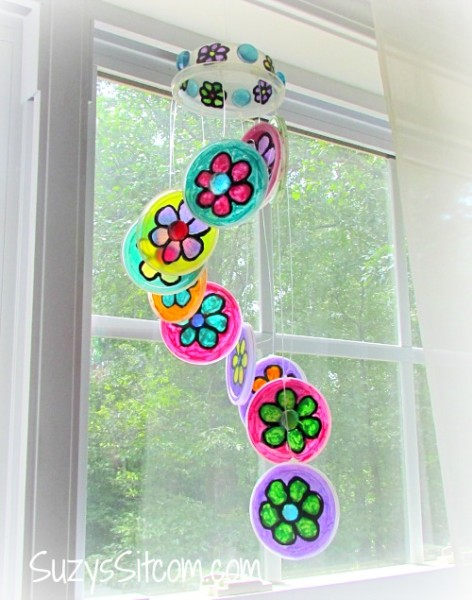 recycled-craft-plastic-lid-sun-catcher14