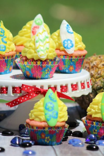 surfboard-cupcakes