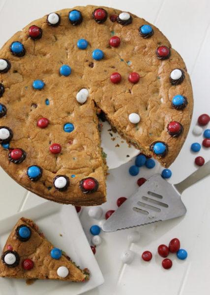 patriotic-mms-cookie-cake-recipe-7