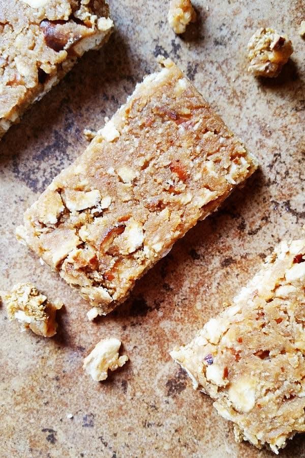 peanut-butter-pretzel-granola-bars-1a