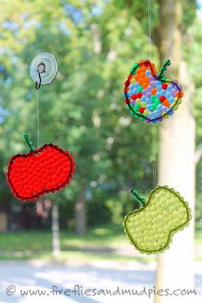 Apple-Suncatchers1-kids-craft-ideas-for-fall