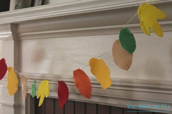 Felt-Crafts-Easy-Fall-Leaf-Garland-On-Mantle-kids-craft-ideas-for-fall