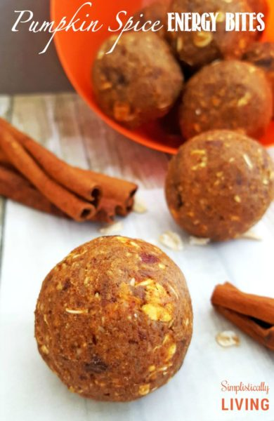 pumpkin-spice-energy-bites-Pumpkin-Recipes