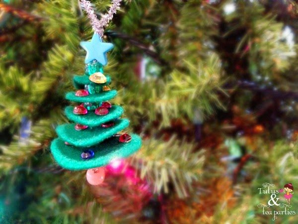 felt-christmas-tree-ornament-8-Kids-Craft-Ideas-For-Christmas