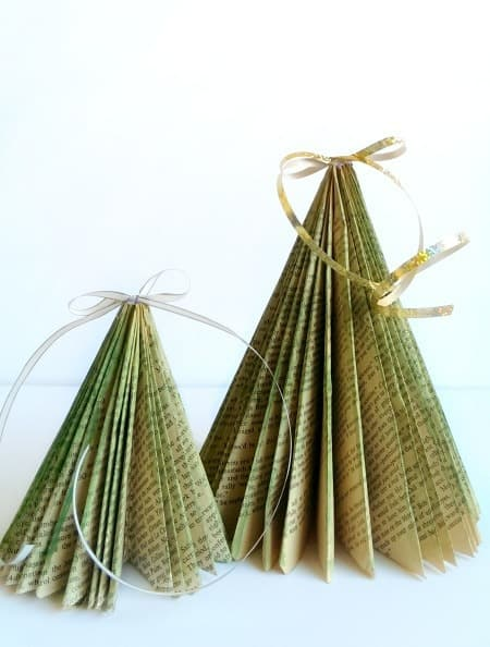 diy-book-tree-small-Kids-Craft-Ideas-For-Christmas