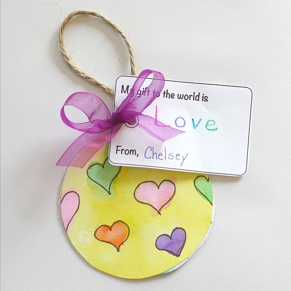 gift-on-white-Kids-Craft-Ideas-For-Christmas